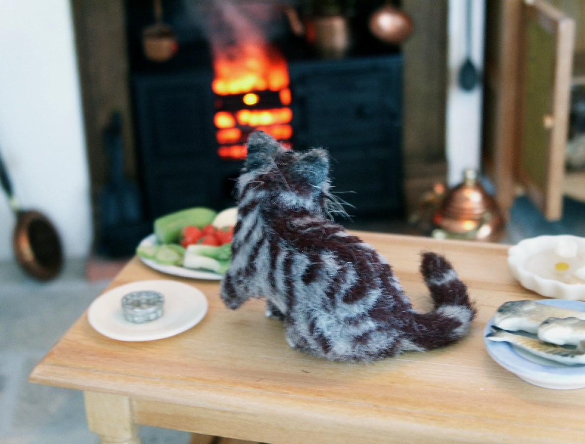 Dolls house silver tabby cat