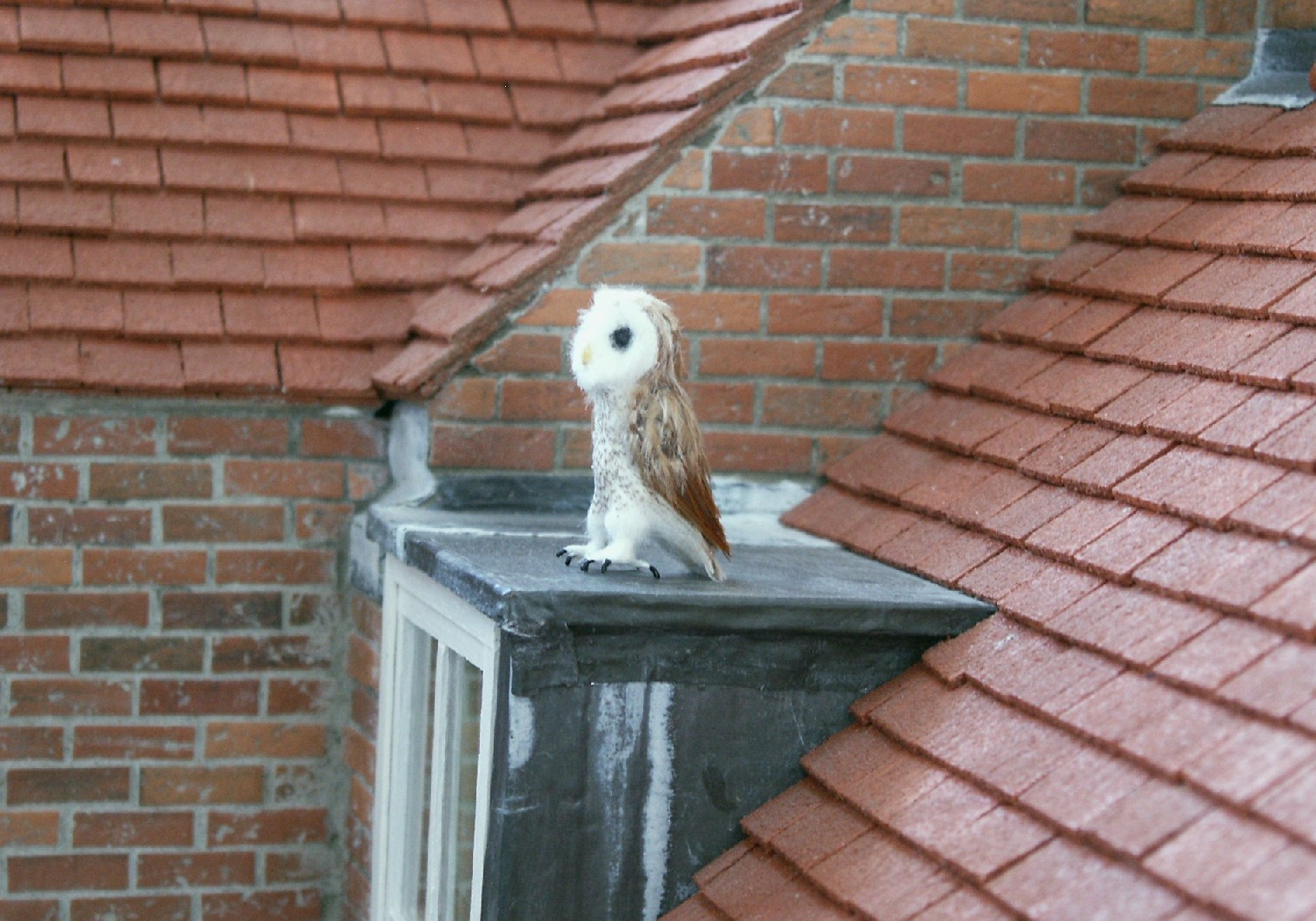 Dolls House = Owl